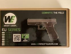 WE G17 Series Gen 4 GBB Pistol (Black)