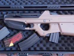 fn 2000 with 4 mags