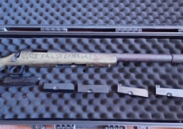 custom warhammer 40k tokyo marui vsr 10, 4 mags and free speed loader